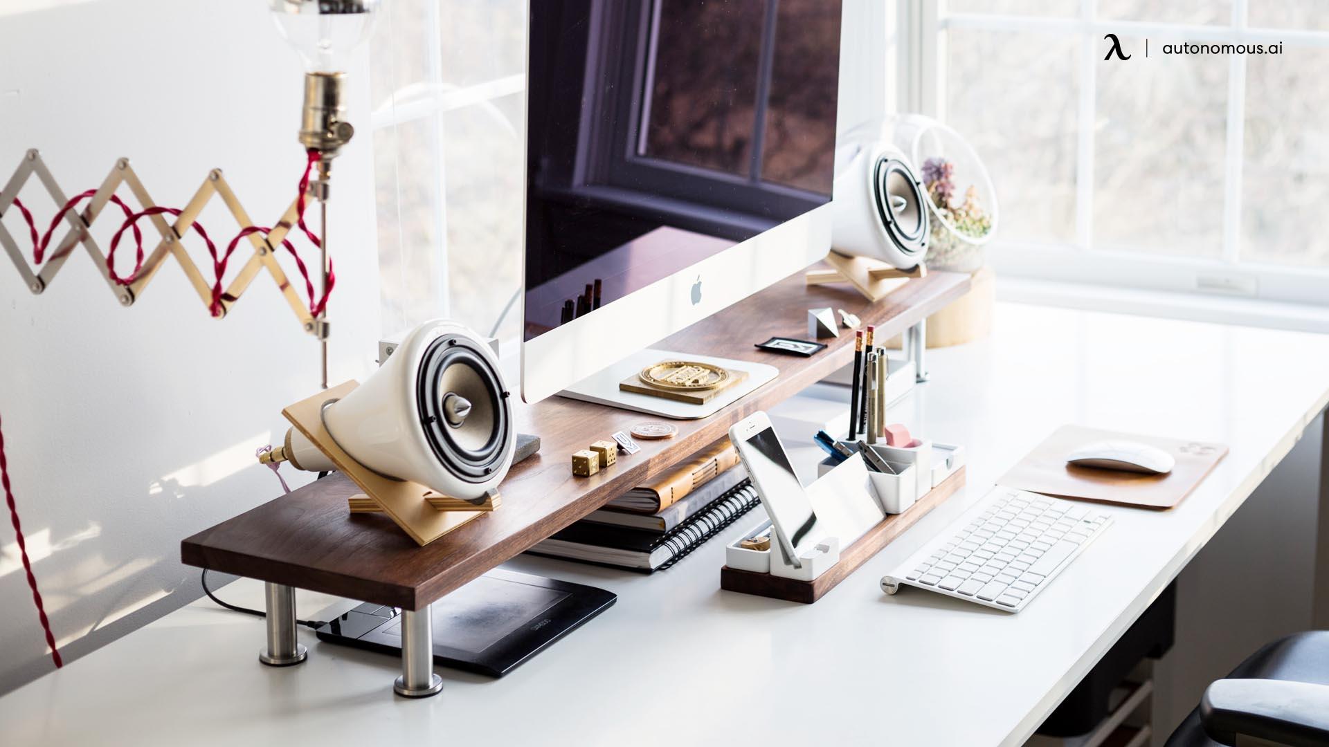 What are Desk Accessories?