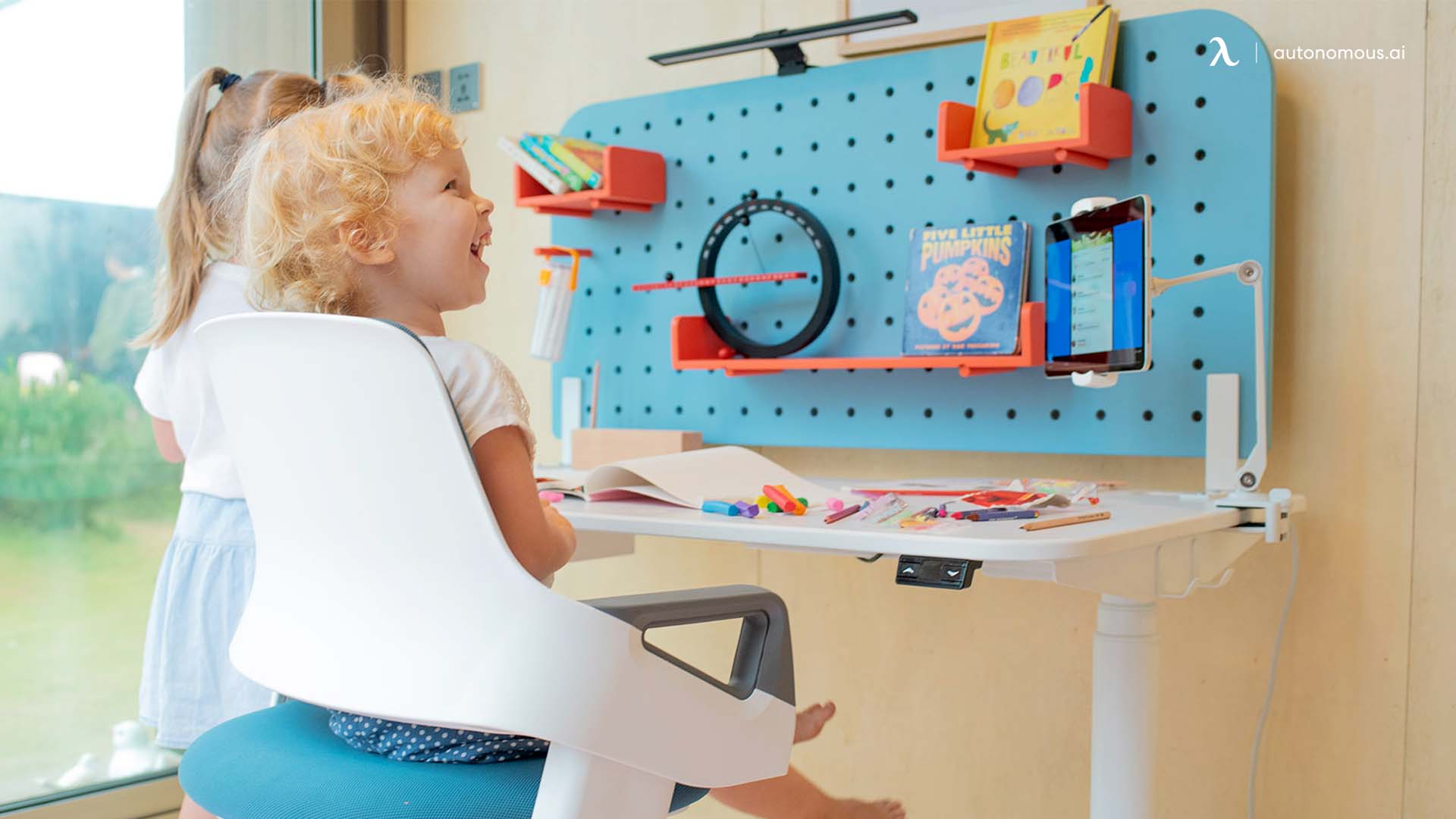 Which Factors Should Be Reviewed When Buying A Kids' Modern Desk?