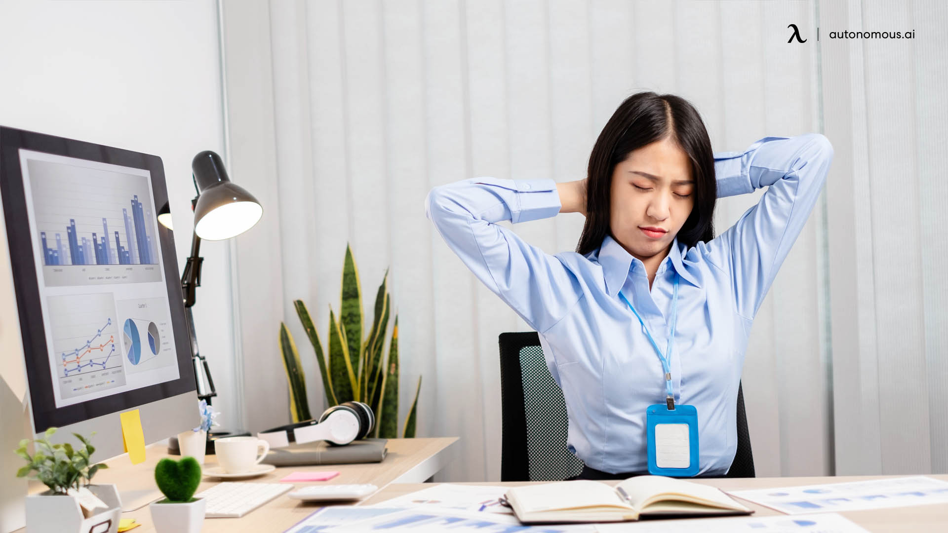 negative side effects of not sitting correctly at the desk
