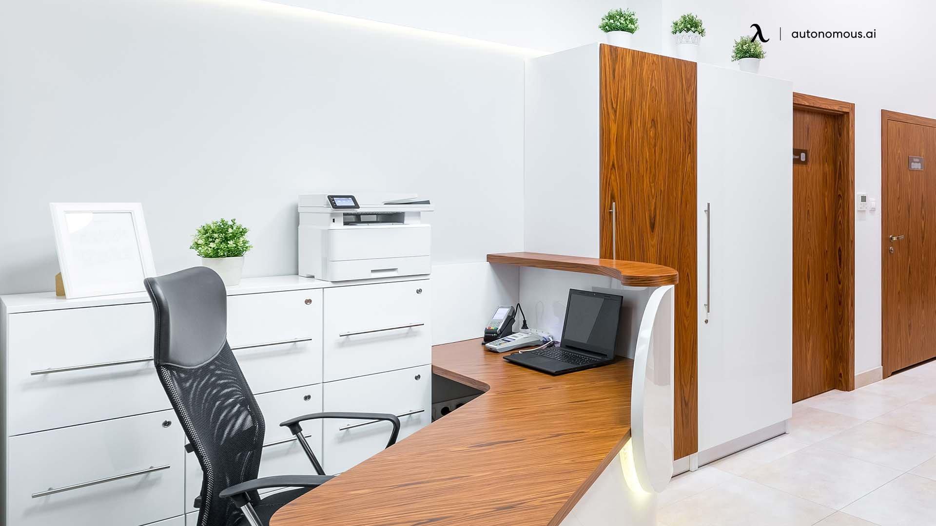Feature reception desk