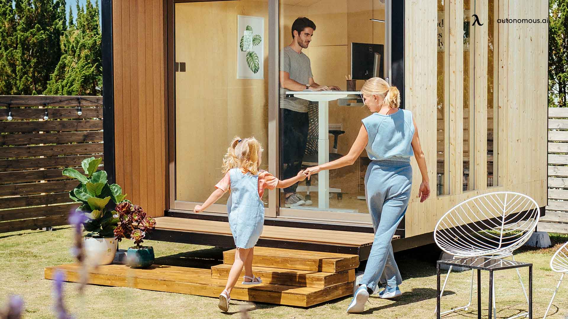 The 3 Best Standing Desk for Dad Work from Home 2021