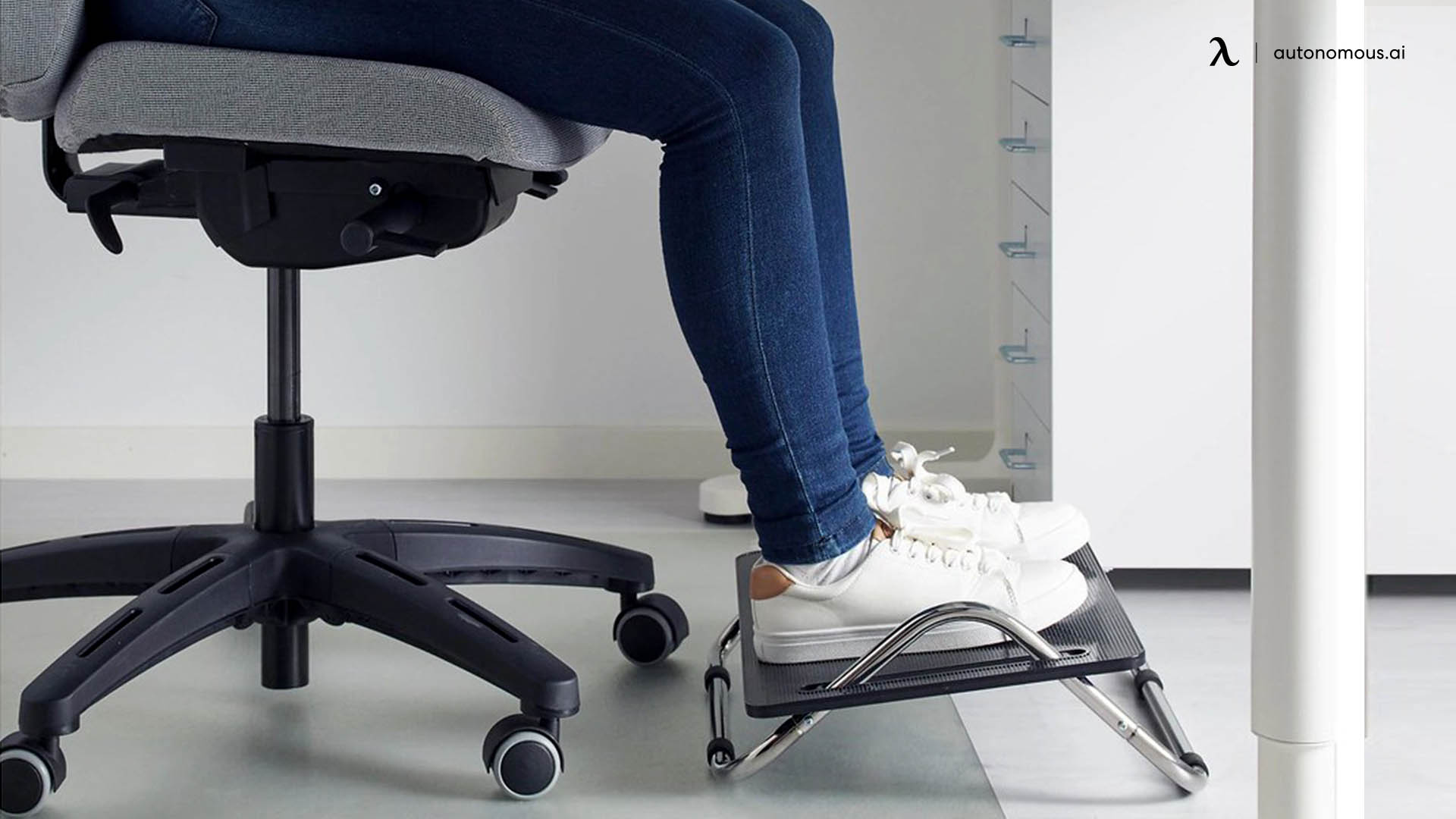Why Should You Invest in an Under Desk Footrest?