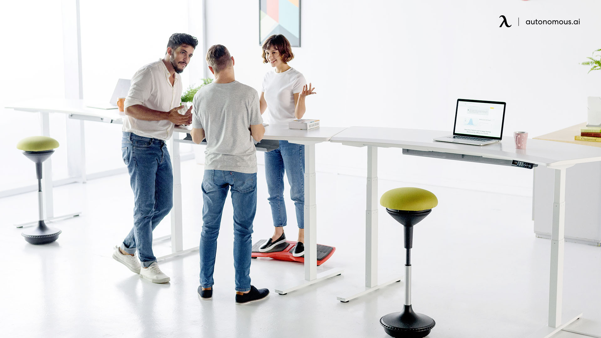 Why Should the Business Use Standing Desks?