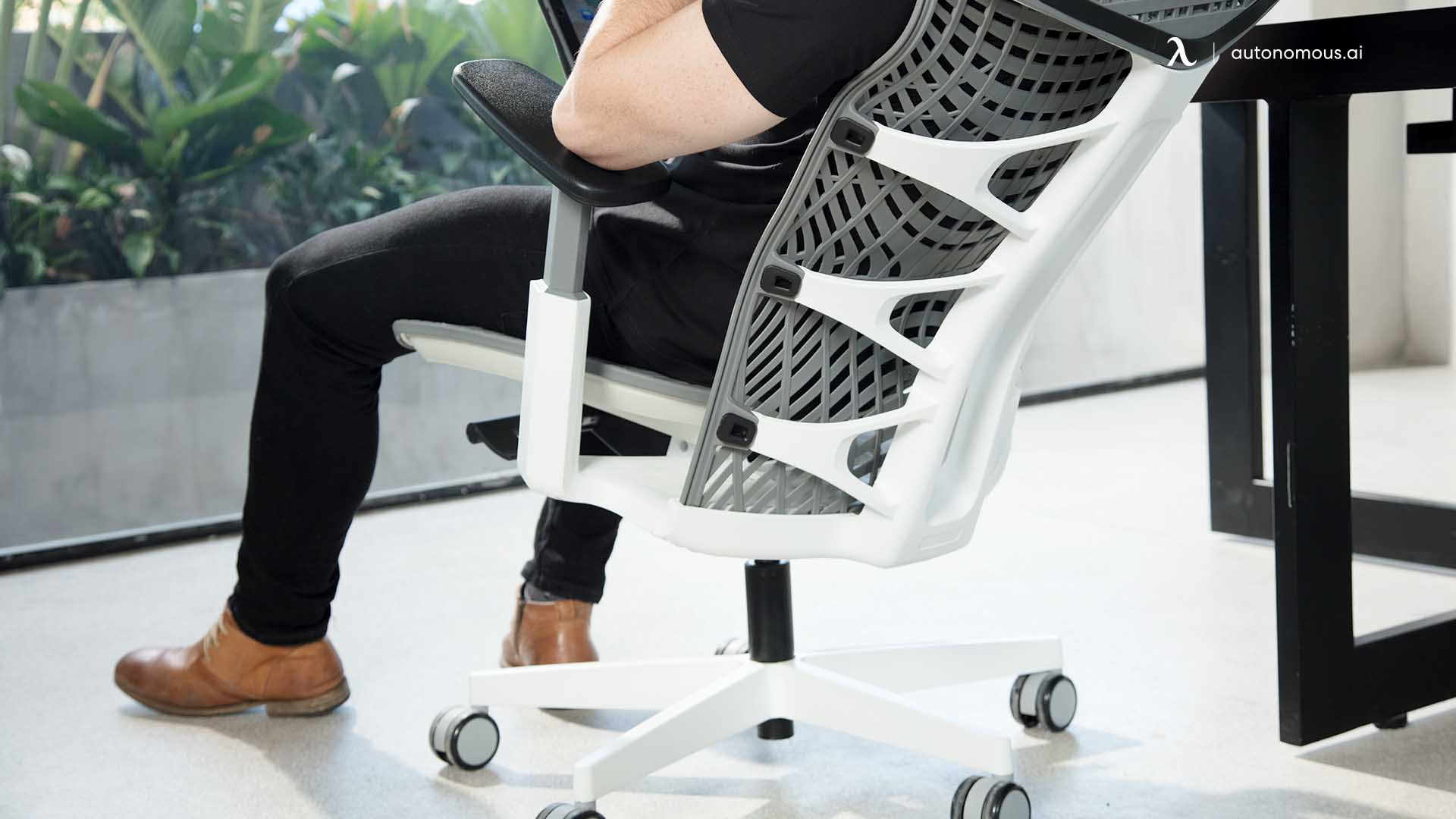 So what does an ergonomic chair do?