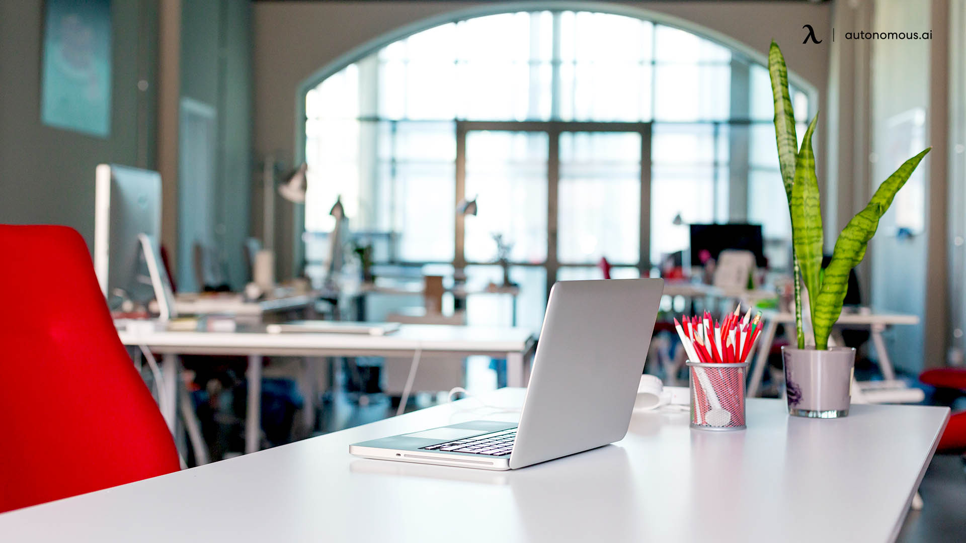 What are the best desk hoteling reservations systems?