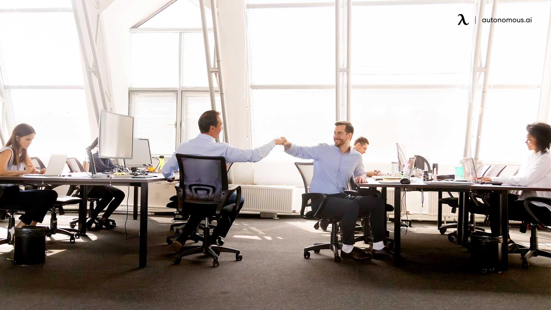 How to manage a hot-desking office