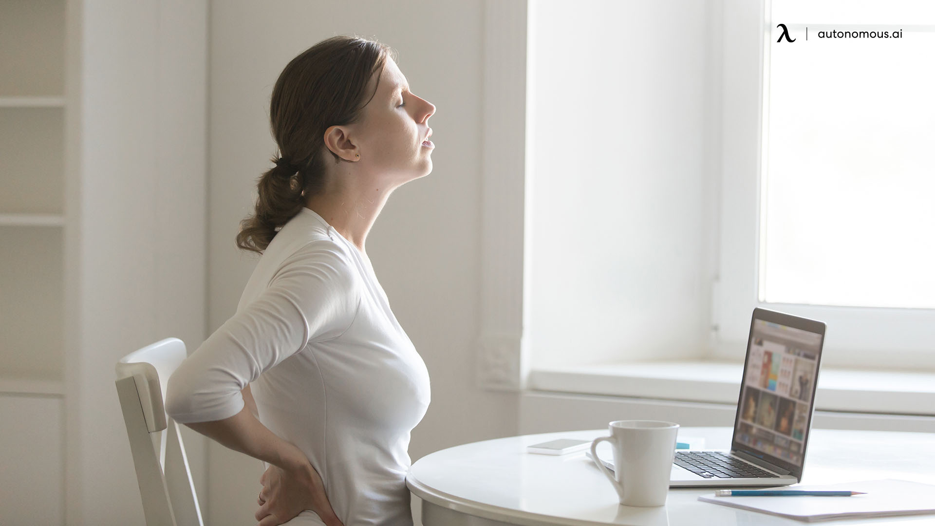 How A Standing Desk Helps Reduce Back Pain