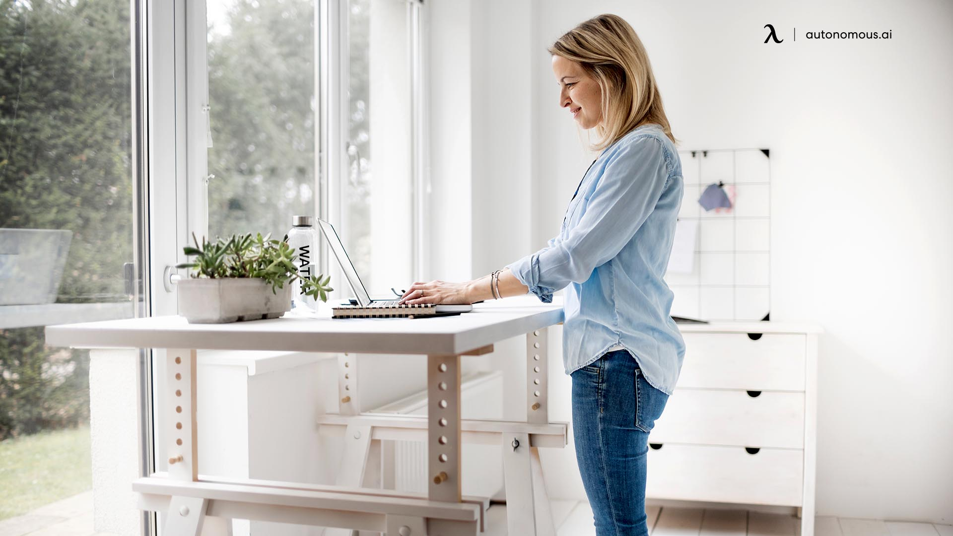 reasons why your standing desk wobble