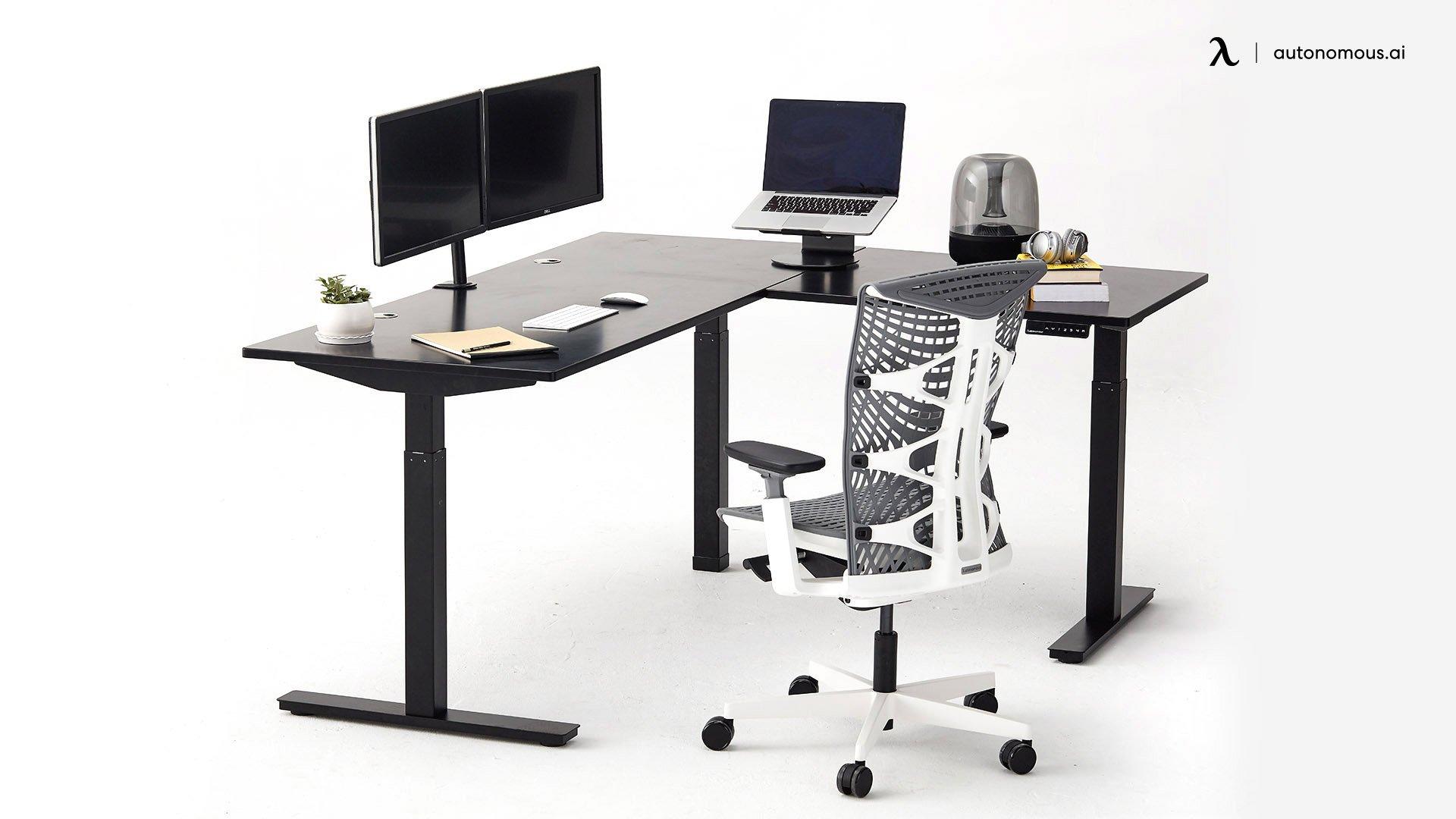 Autonomous L-shaped standing desk