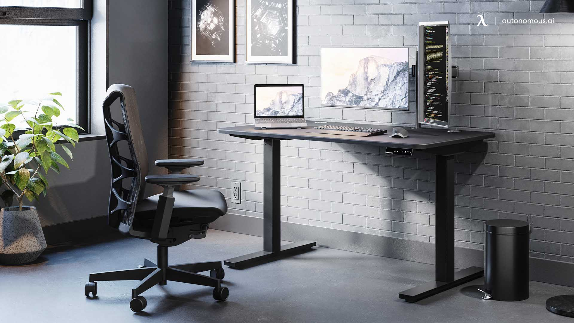 Why Should You Include a Modern All-Black Desk