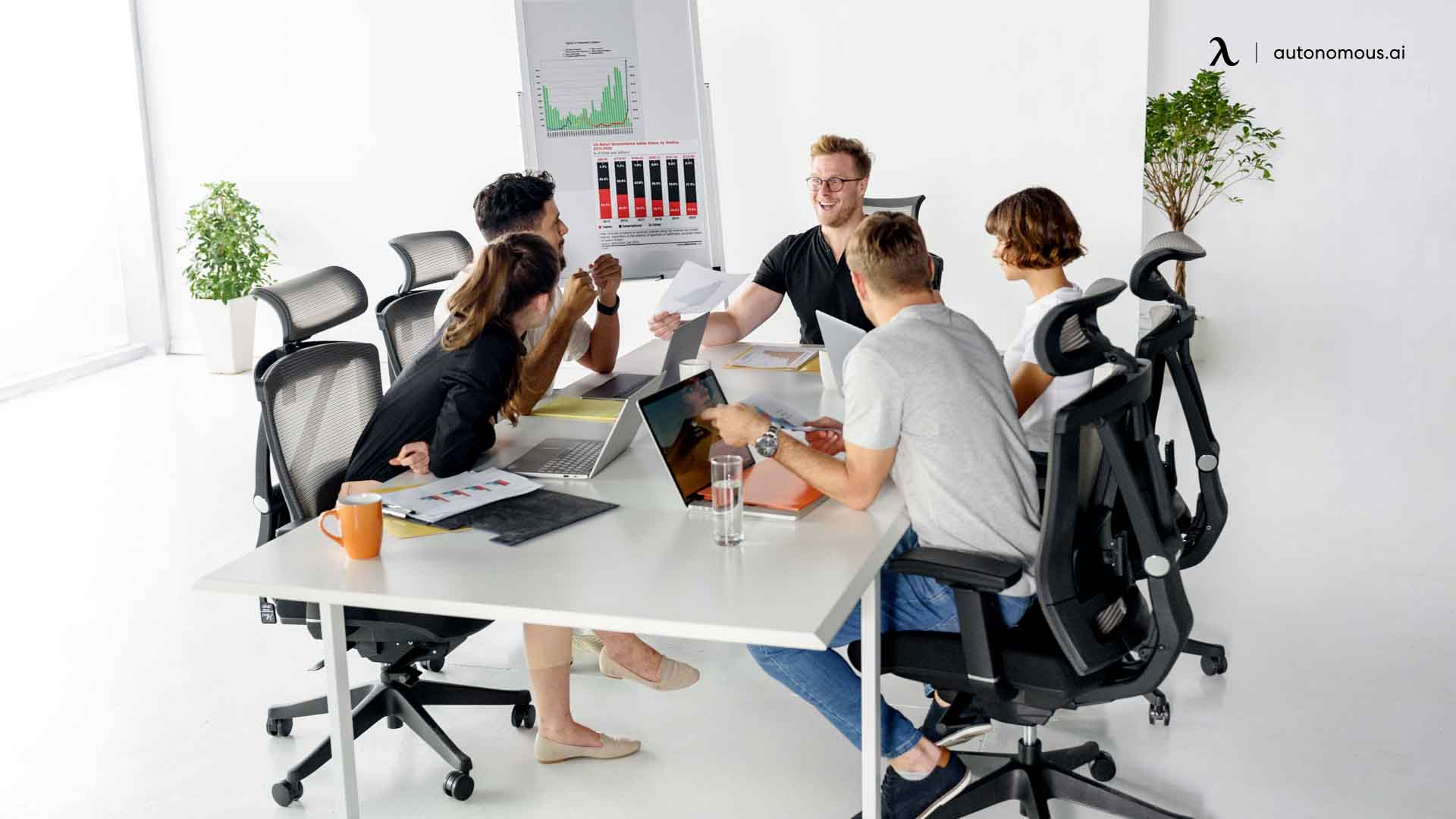 make hybrid workplace design for employees to be comfortable and be productive