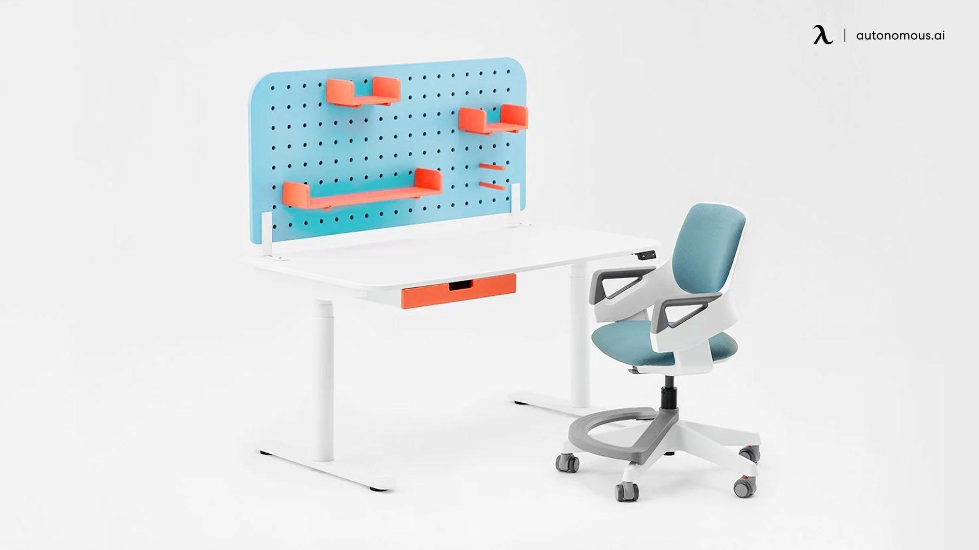 Autonomous Ergo Chair Junior and SmartDesk Junior