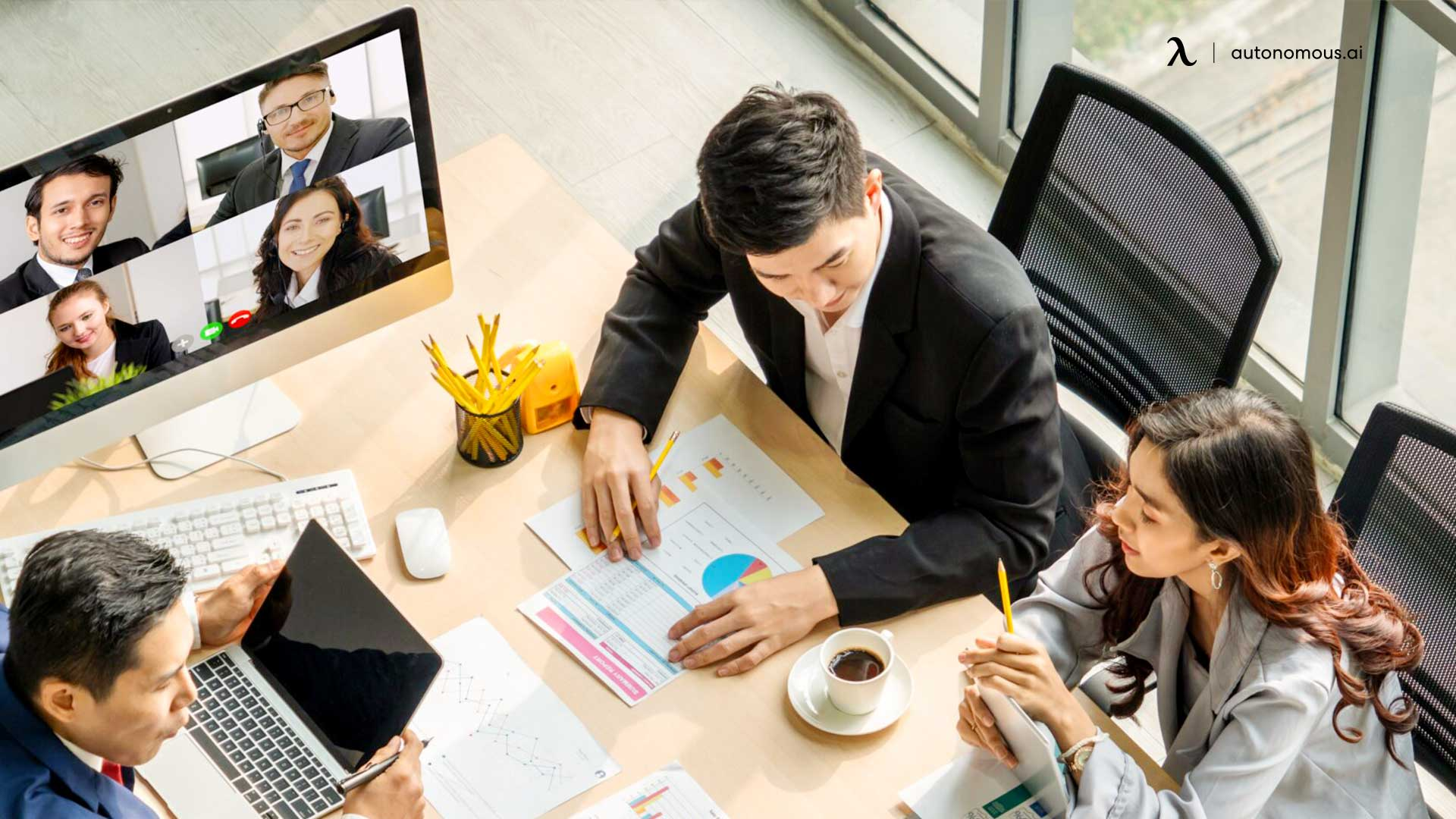 What is the hybrid workplace model?