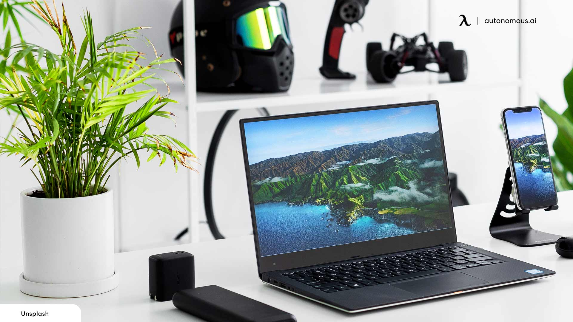 Place Some Plants to Make Your Workspace Green and Airy