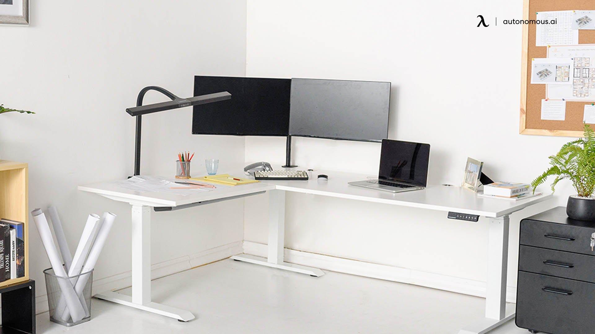 Multi-Monitor corner desk idea