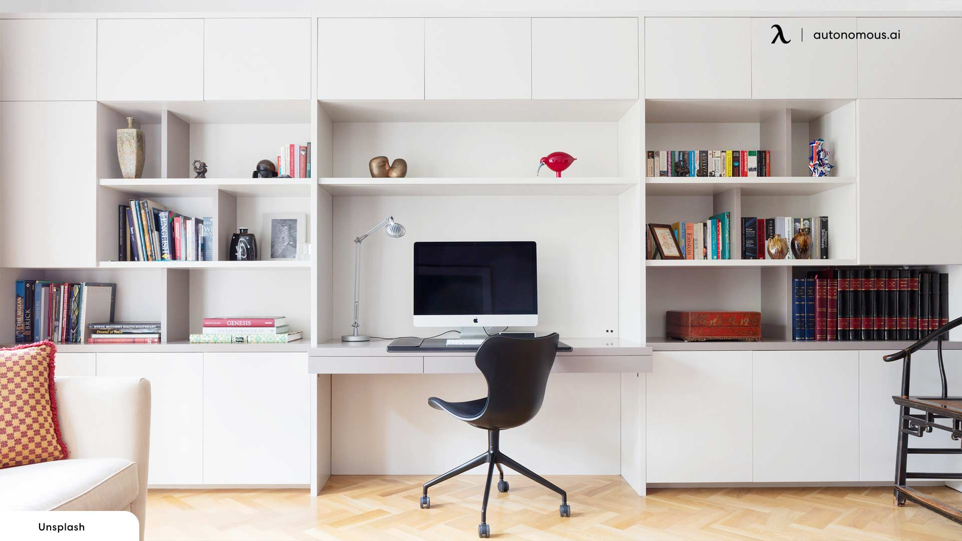 Home and office setting as productivity tips for hybrid work