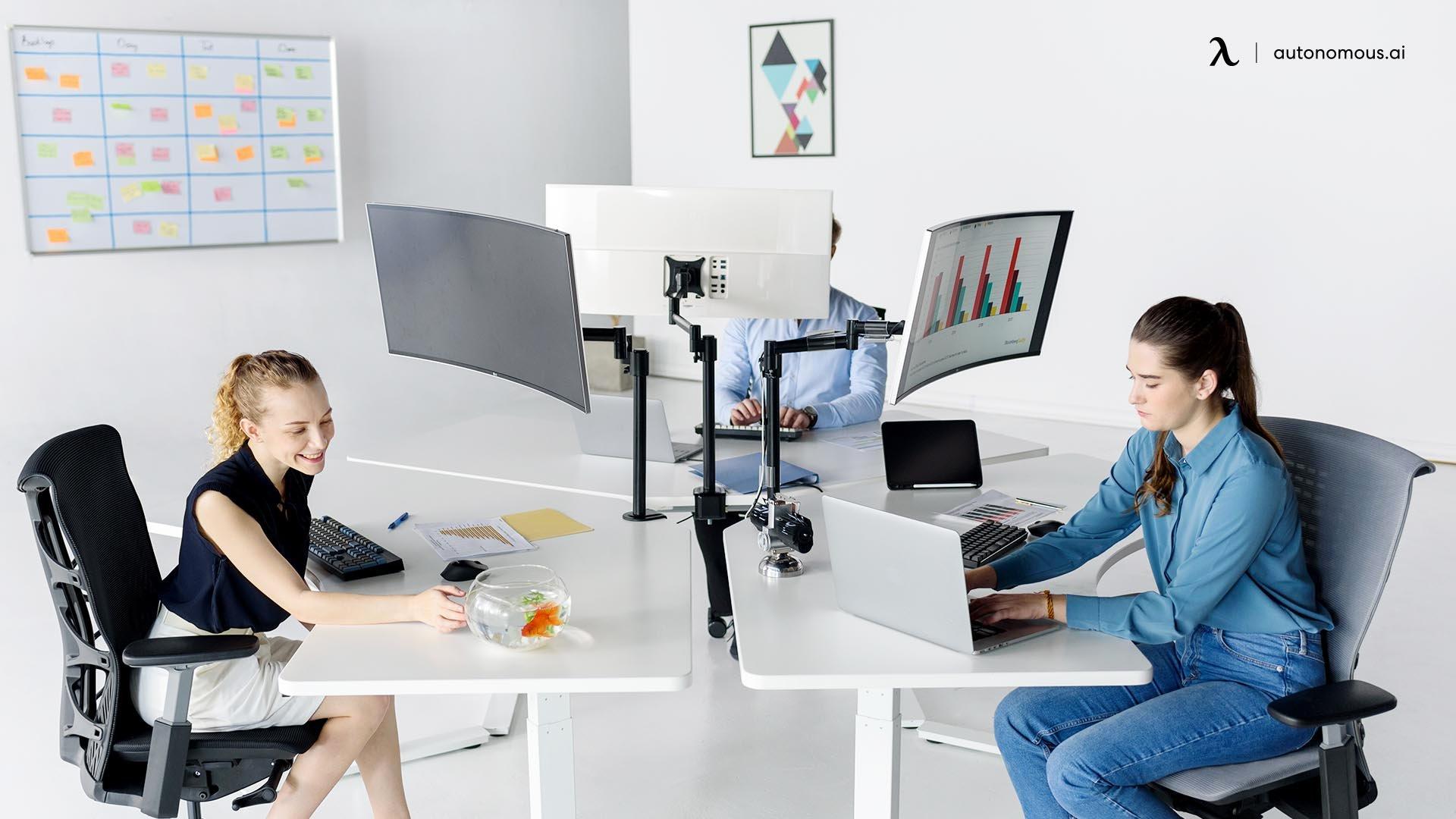 Ergonomic Standing Desk for ergonomic trend
