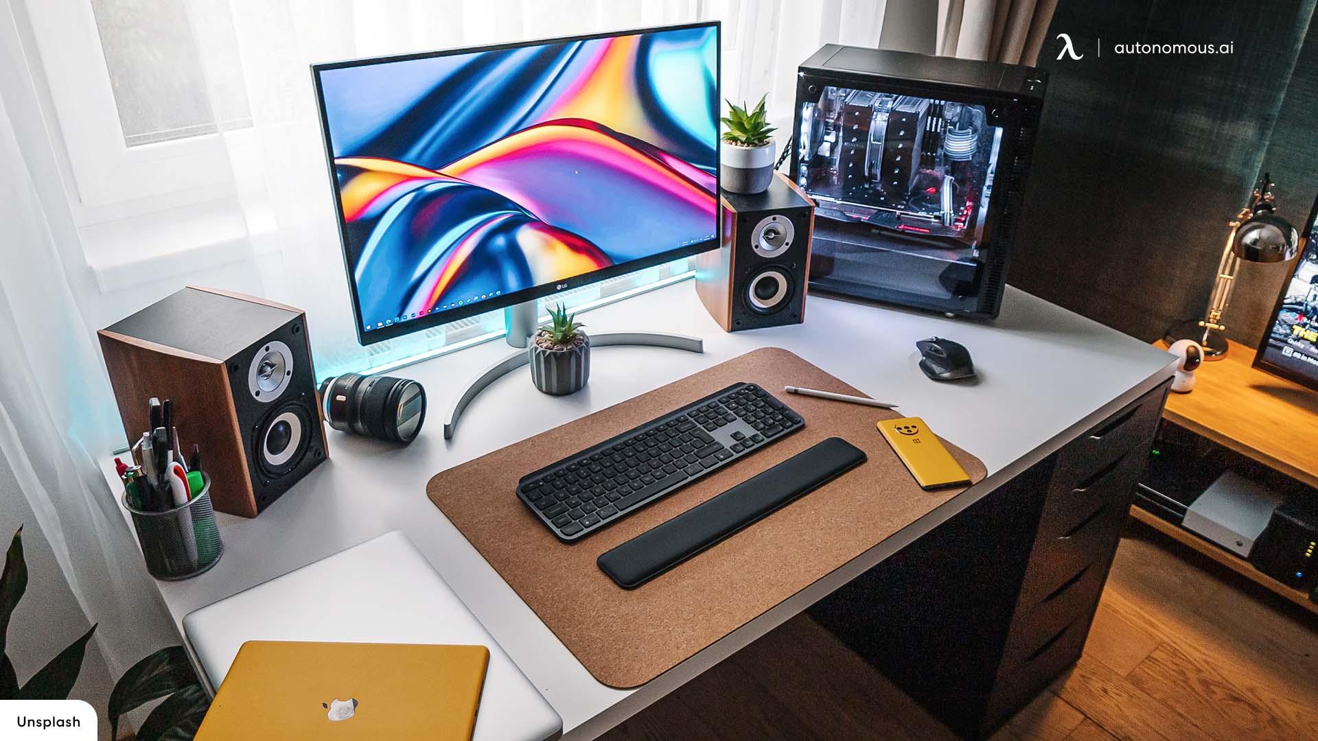 Aesthetic Desk Setup