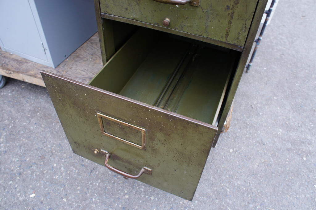 How To Paint A Metal Filing Cabinet